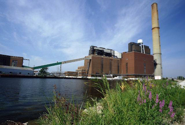 Consumers Energy delay retiring coal-fired power units Michigan Cobb J.R. Whiting Karn-Weadock