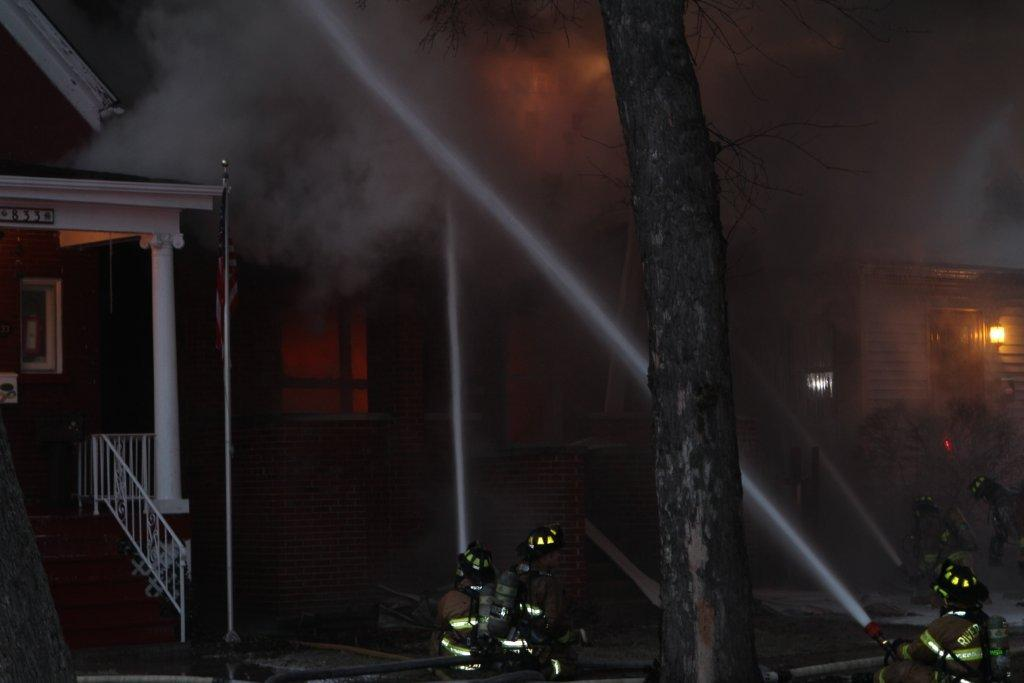 IL Firefighters Operate at Extra-Alarm Dwelling Fire