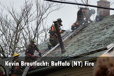 Buffalo (NY) Firefighters Extinguish Vacant House Fire