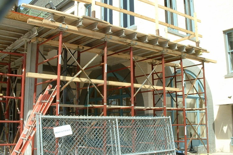 Temporary Construction Structures : Fire building construction concerns temporary structures