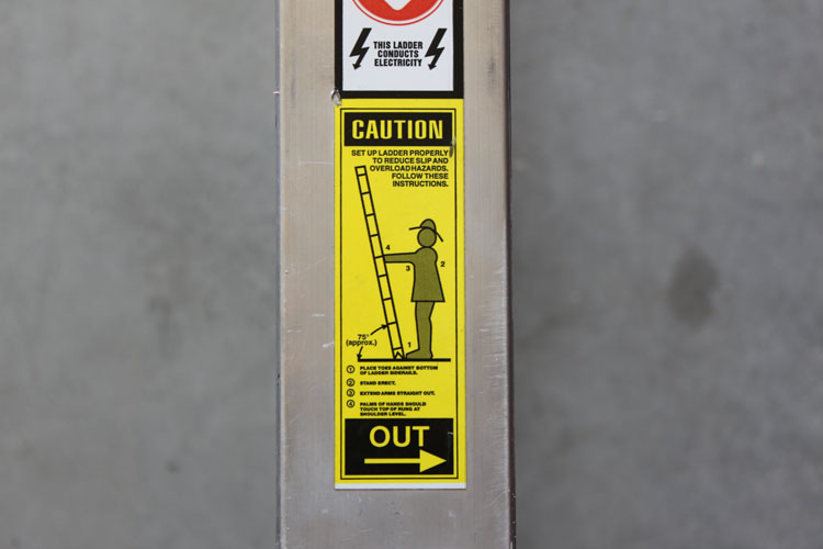 Ground ladder label