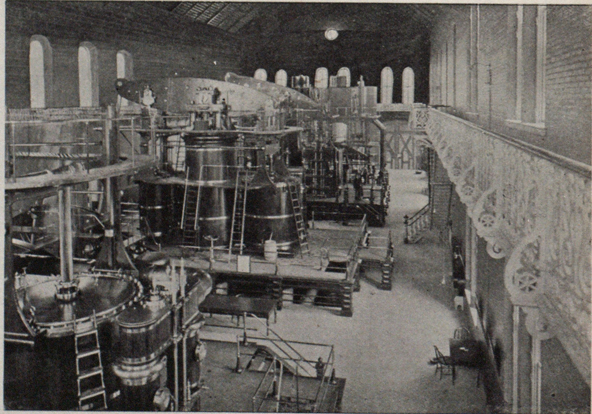 INTERIOR OF PUMPING STATION, DETROIT, MICH.