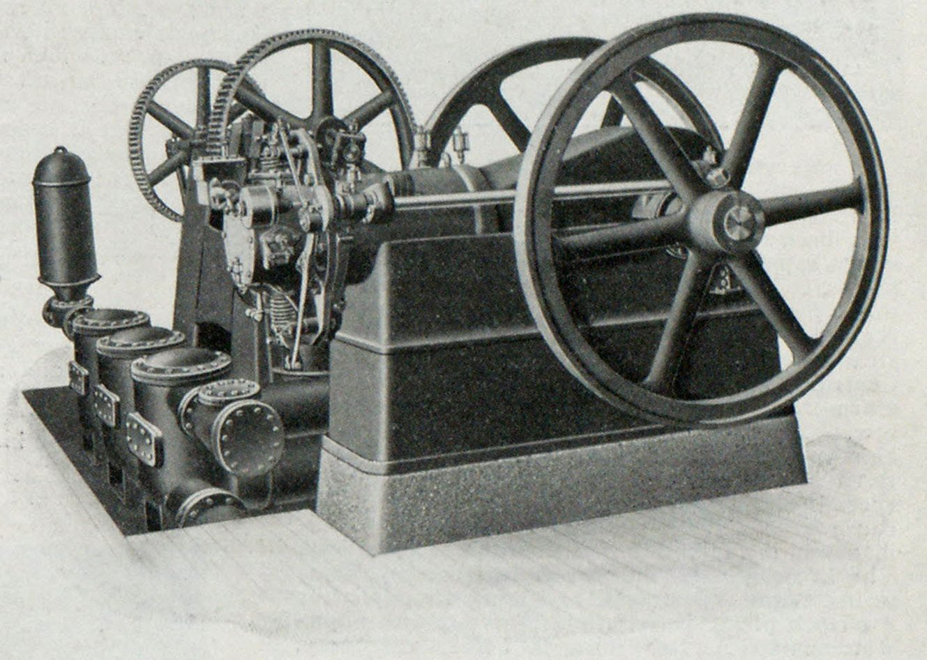 FIG. 10—ENGINE DESIGNED TO OPERATE WITH HEAVY OILS.