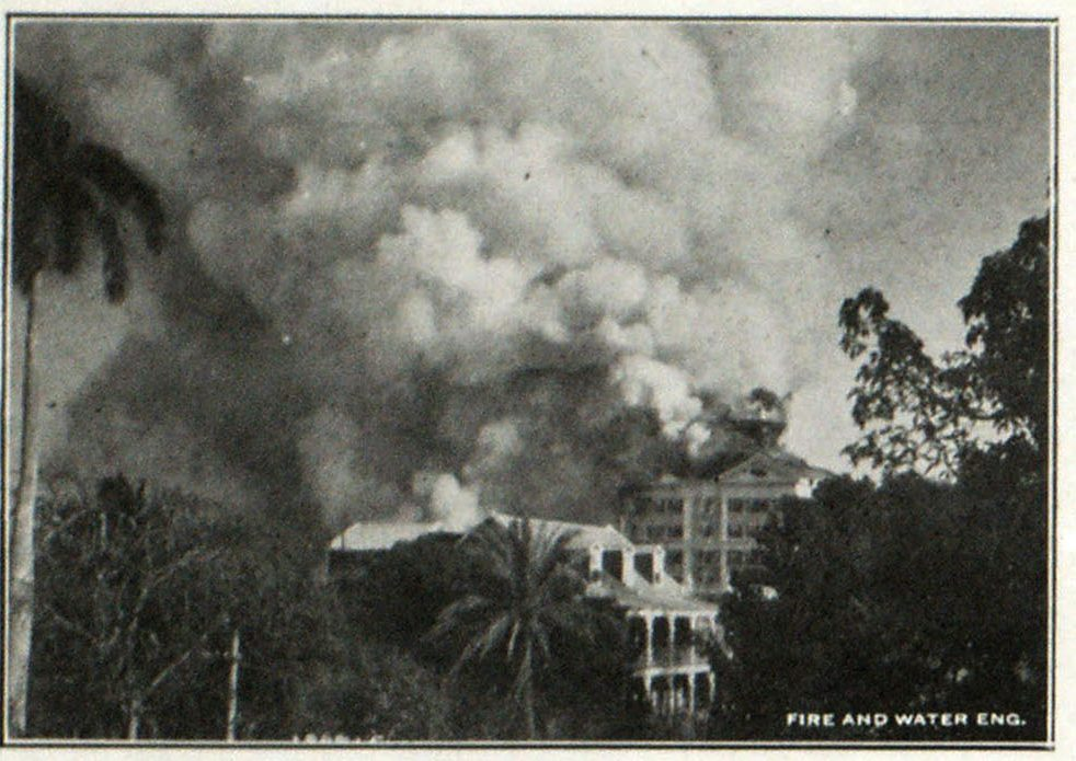 Hotel Fire in Nassau, Bahamas, in Its First Stages