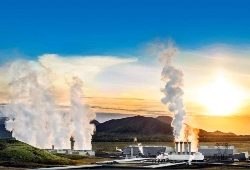 "In Iceland, Geothermal Energy is ""Use It or Lose It"""