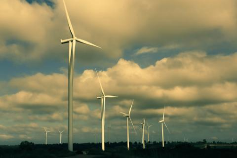 Australia Residents Protest Wind Turbines as Government Upholds Fossil Use